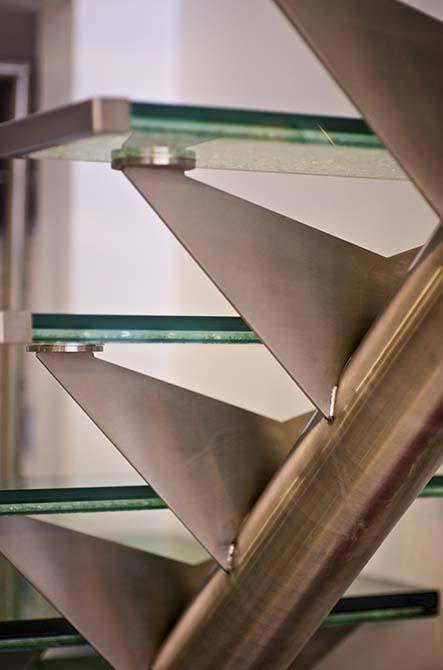 Allum-glass-staircase