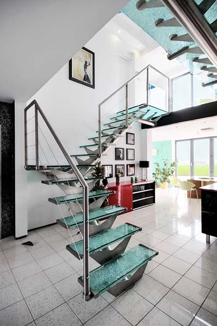 Allum-steel-and-glass-staircase
