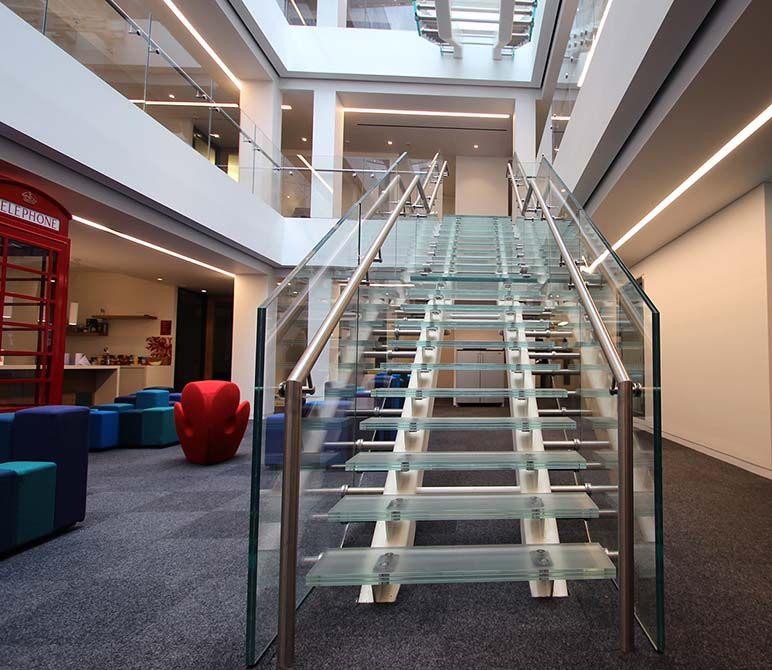 Baker-glass-tread-staircase