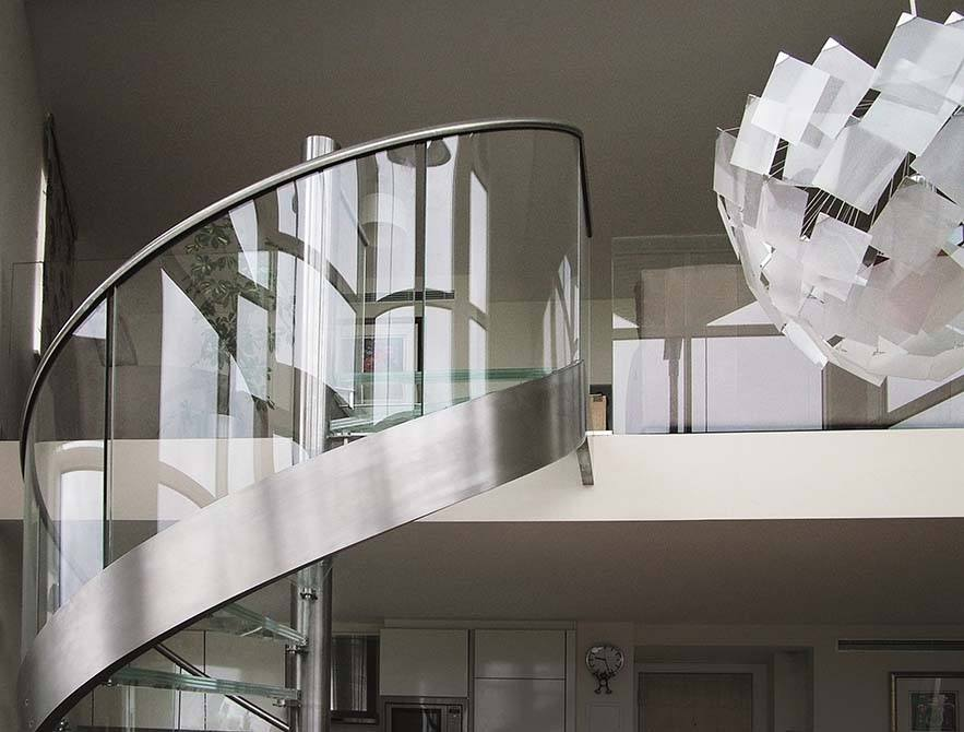 Basin-curved-staircase