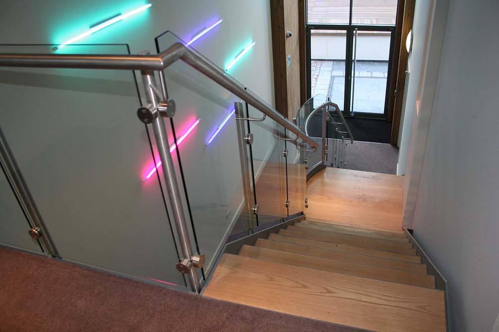Battersea-stainless-steel-glass-balustrade