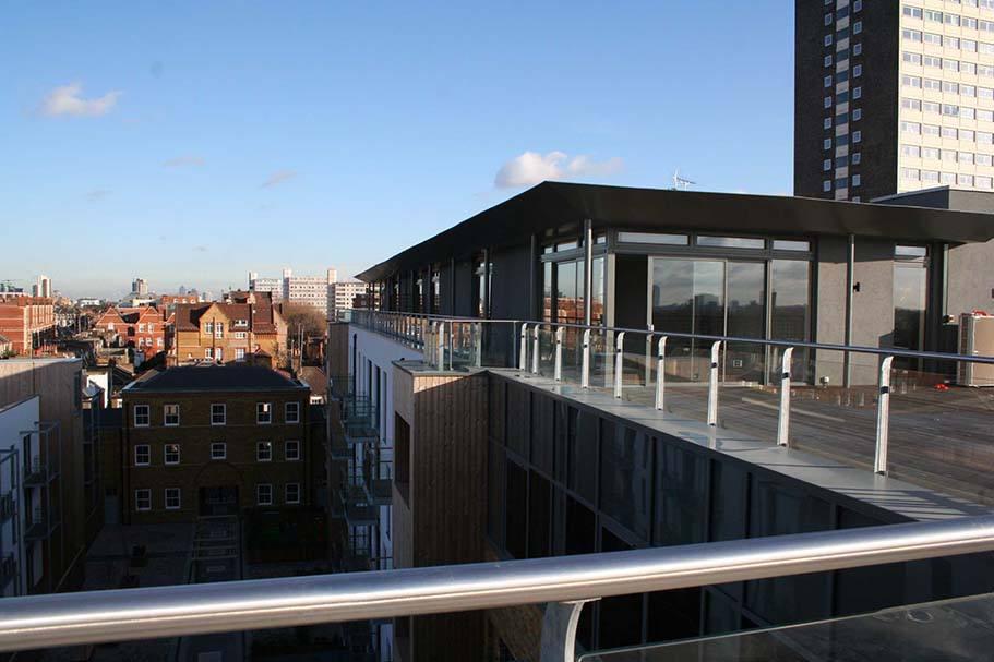 Battersea-steel-glass-balustrade