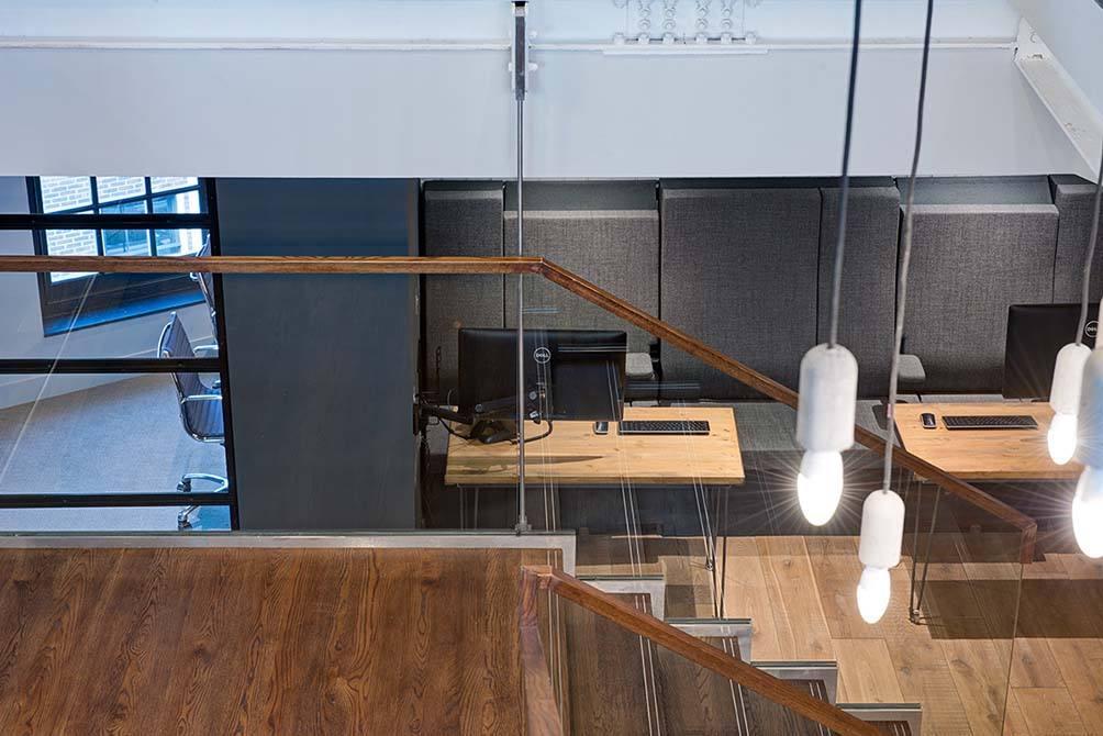 Bentinck-glass-balustrade