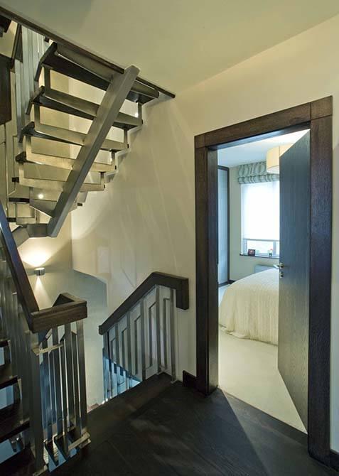 Blue-metal-staircase