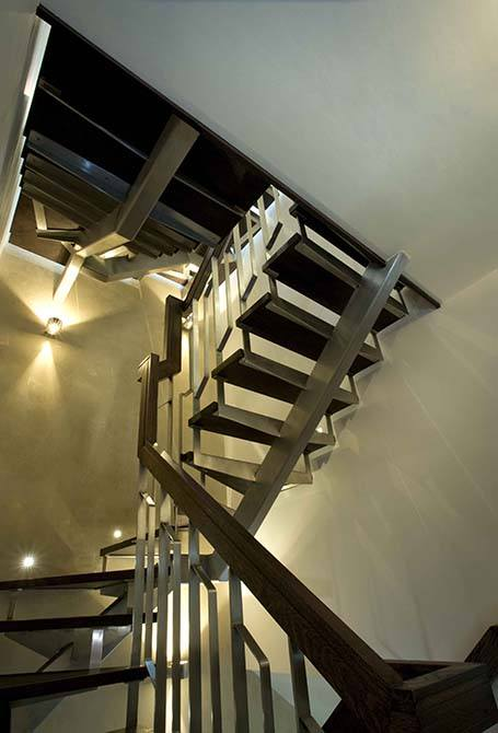 Blue-stainless-steel-staircase