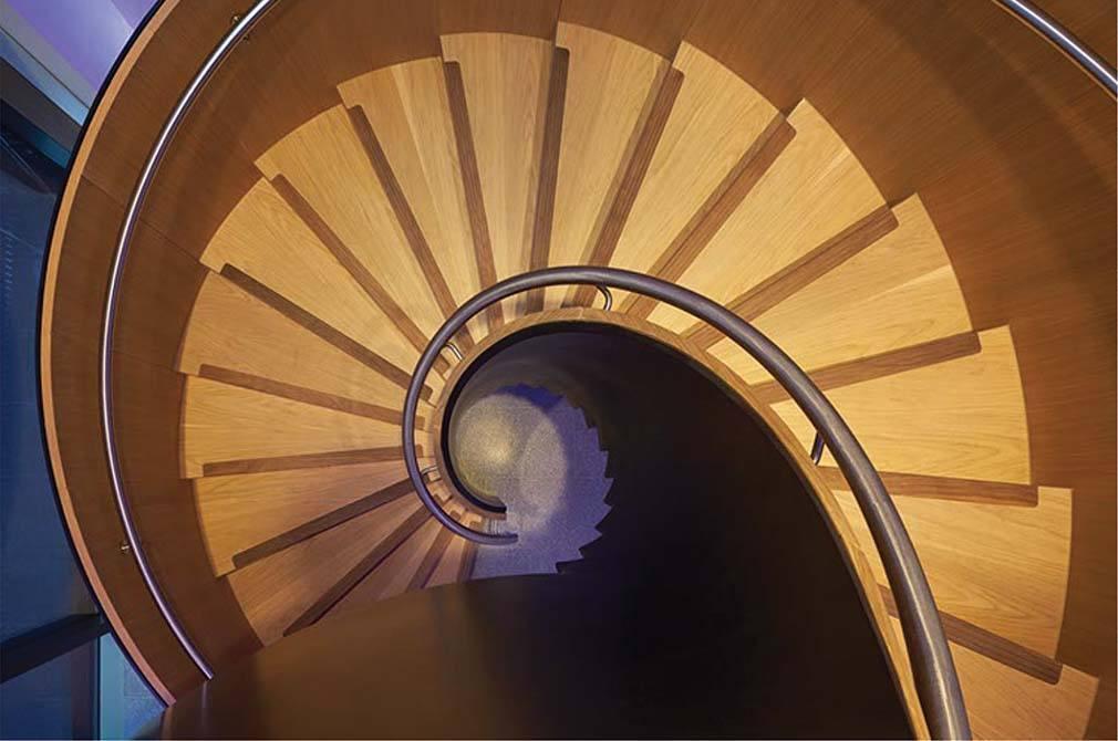 Bonhams-curved-stair