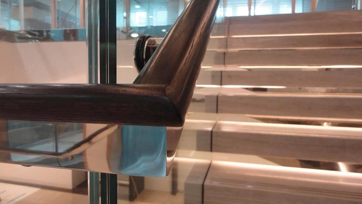 Burlington-mirror-stainless-steel-staircase