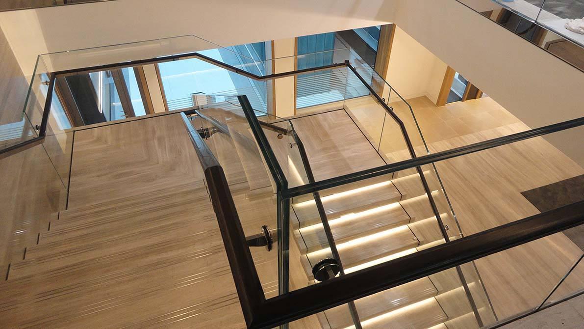 Burlington-quarter-turn-staircase