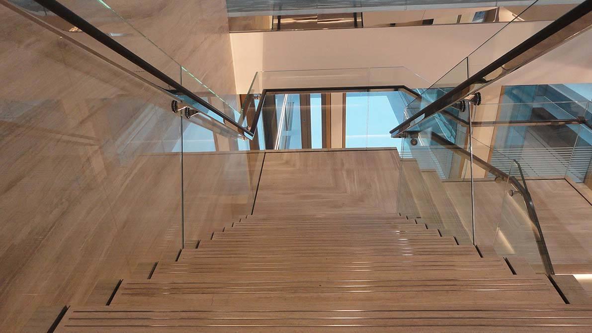 Burlington-stone-glass-staircase