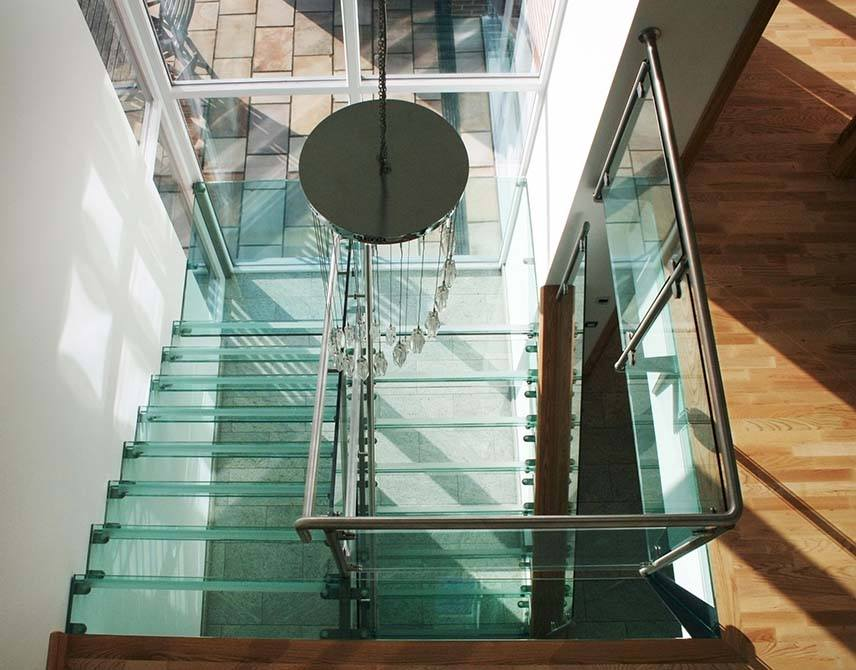 Buttery-contemporary-staircase