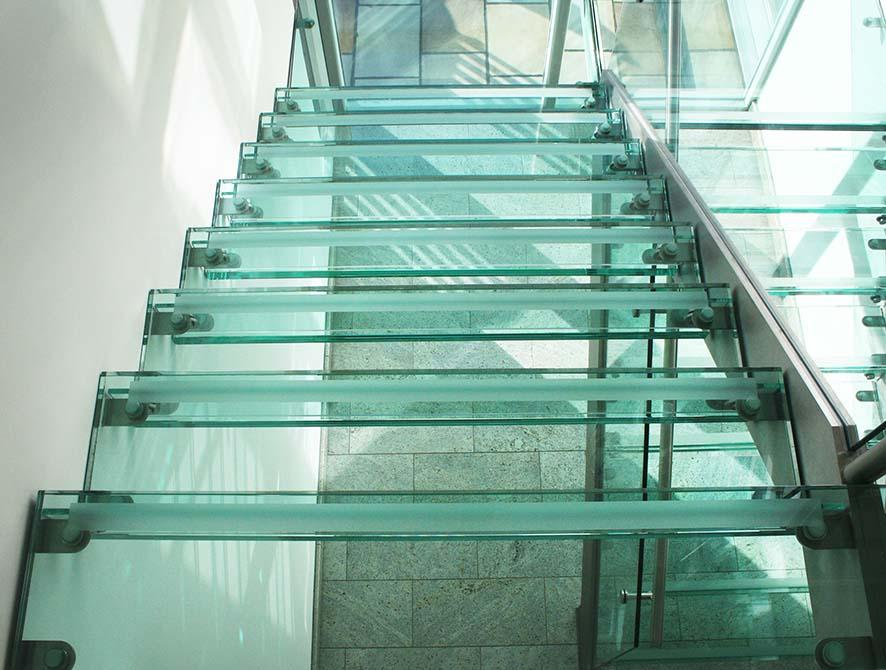 Buttery-glass-steel-staircase