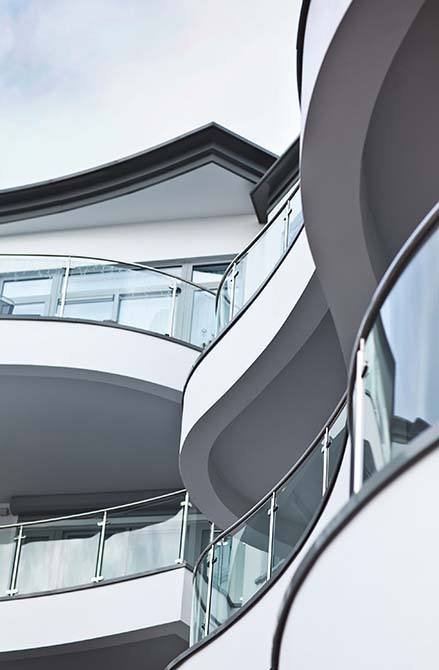 Carlton-glass-steel-balustrade