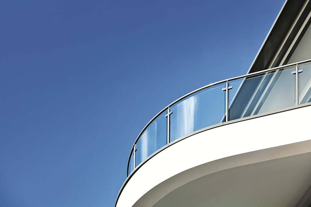 Carlton-stainless-steel-glass-balustrade