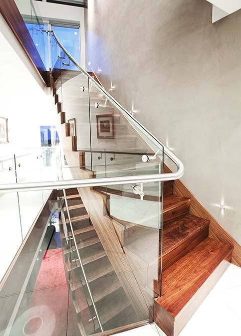 Cliff custom staircase glass balustrade