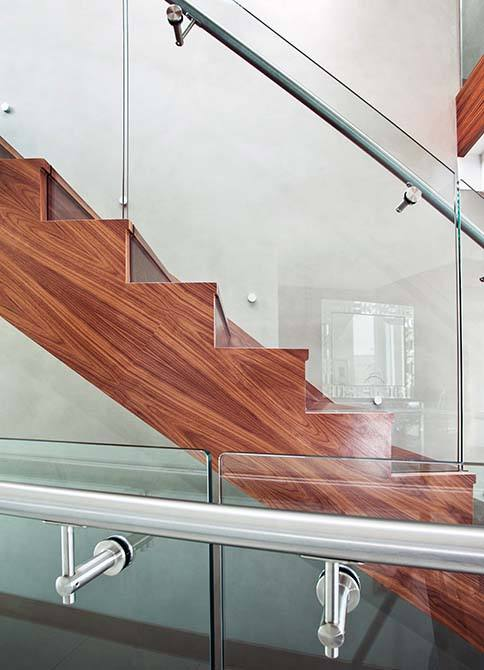 Cliff steel glass staircase