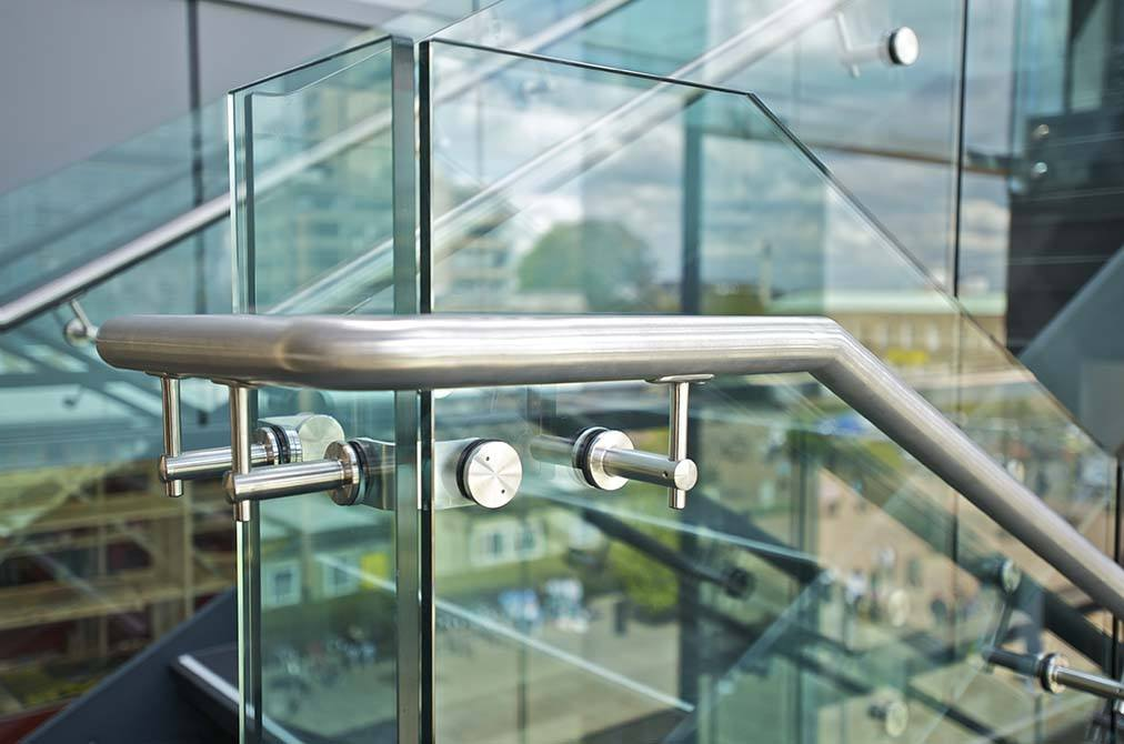 David-Wilson-Library-glass-balustrade-panel