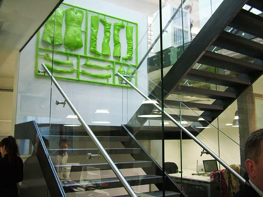 Domus-glass-steel-stair