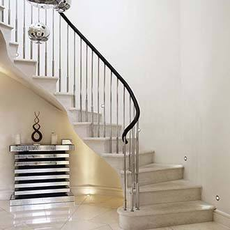 Endsleigh-mirror-polished-stainless-steel-balustrade-tn