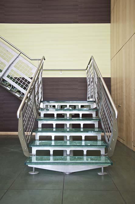 Hesco contemporary glass staircase