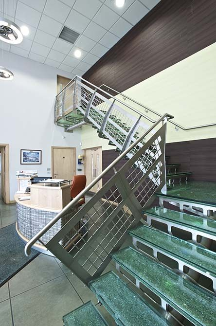 Hesco modern glass staircase