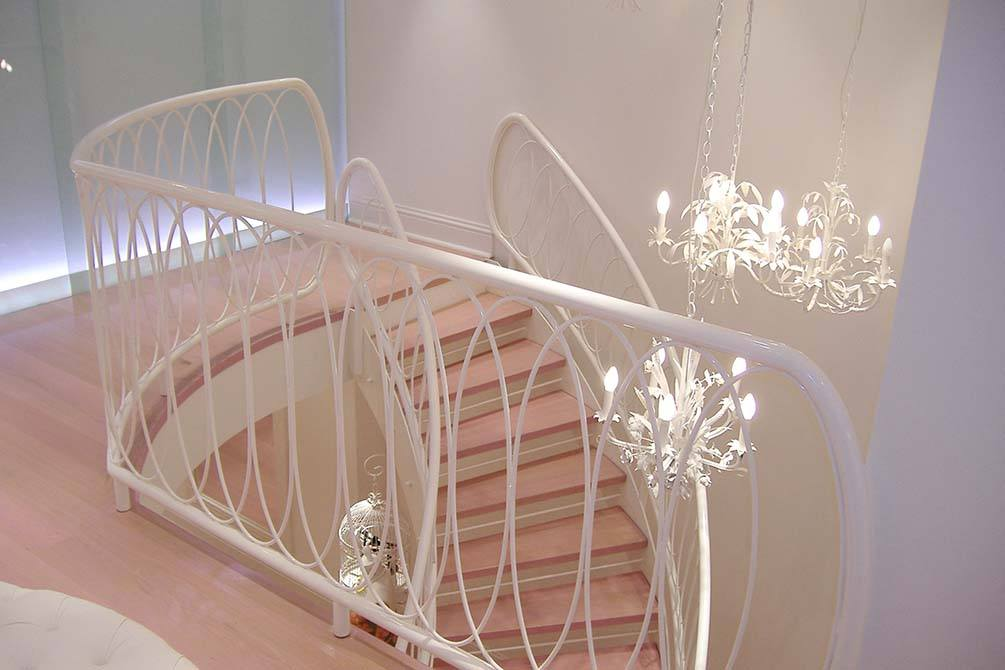 Lepore curved staircase