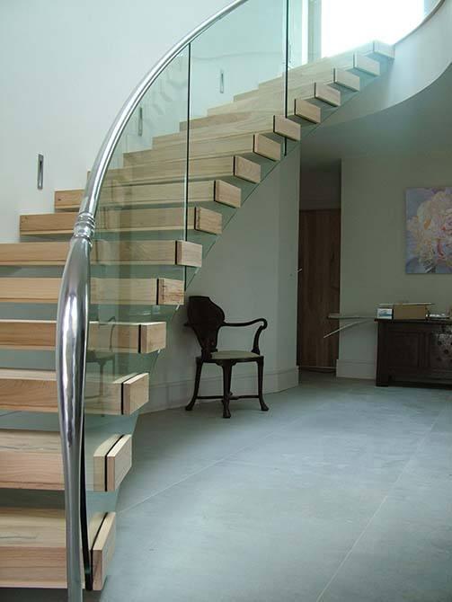 Madden architectural handrail