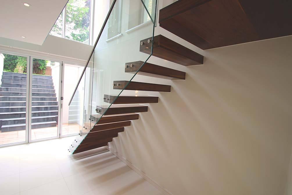 Montague contemporary cantilever staircase
