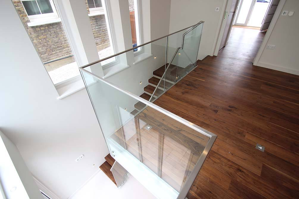 Montague stainless steel glass balustrade
