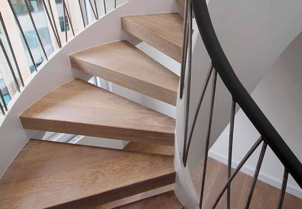 Norfolk-contemporary-staircase