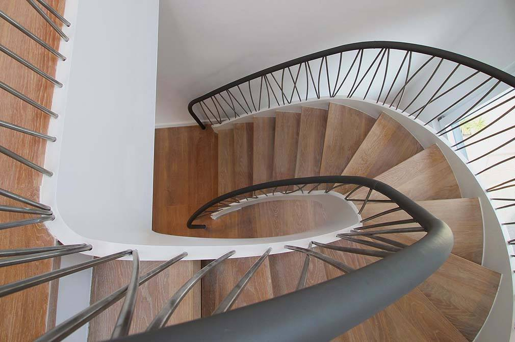 Norfolk-metal-timber-staircase