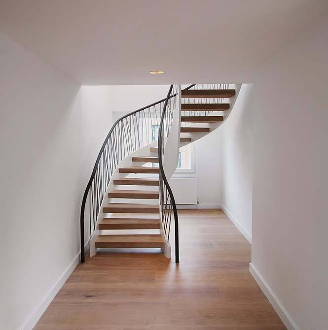 Norfolk-open-riser-staircase