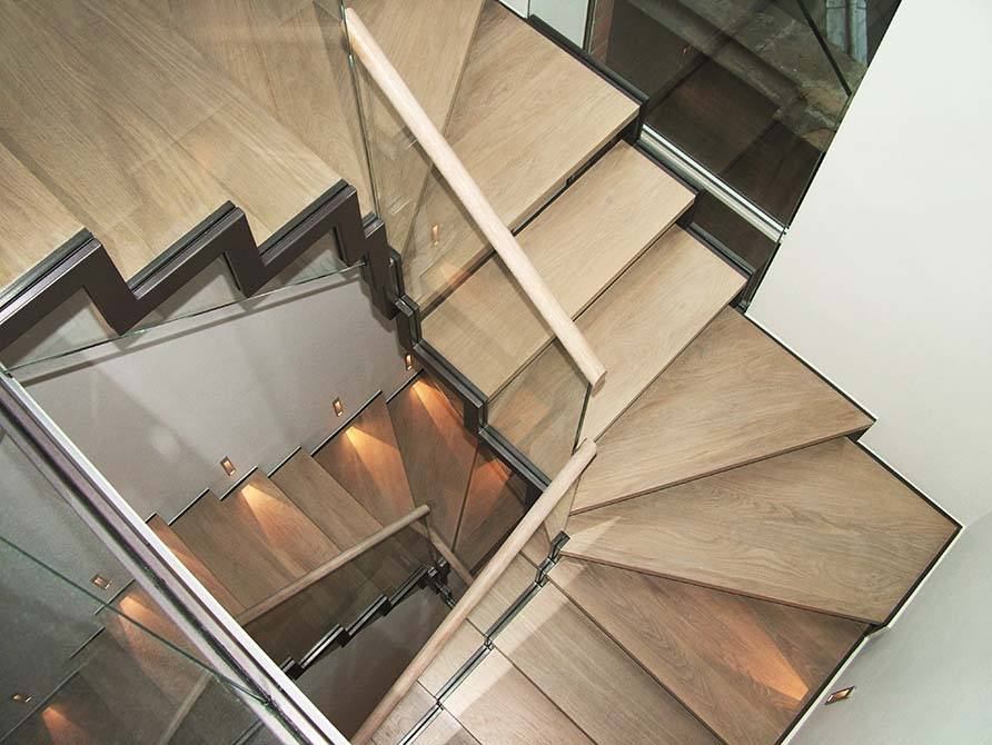 North-Audley-metal-spiral-staircase
