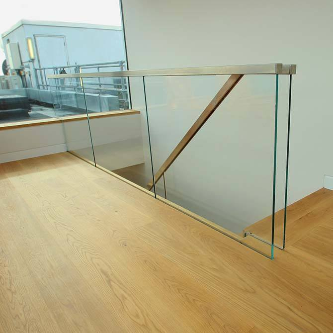 Palace-stainless-steel-glass-balustrade