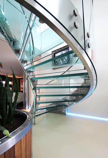 Park-Gate-Helical-glass-steel-staircase