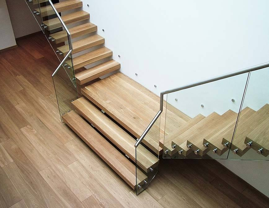 Pipins cantilever glass timber steel staircase