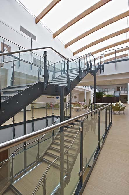 Queens-Medical-custom-glass-steel-balustrade