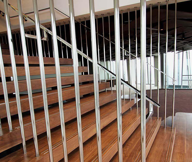 Shard-mirror-polished-balustrade