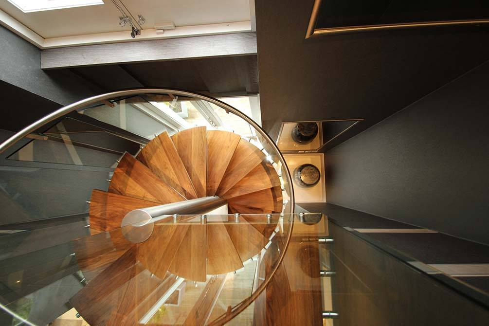 St-Johns-Wood-glass-spiral-staircase