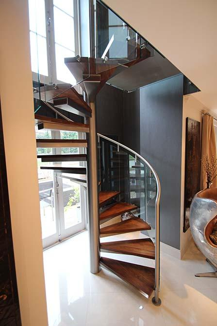 St-Johns-Wood-metal-spiral-staircase