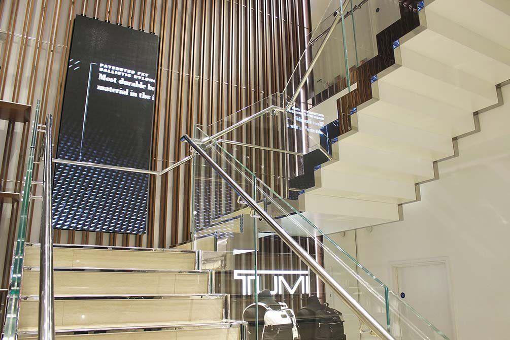 Tumi-glass-staircase