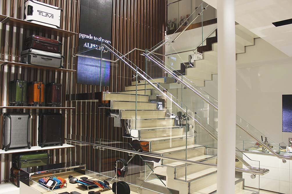 Tumi-stainless-steel-glass-staircase