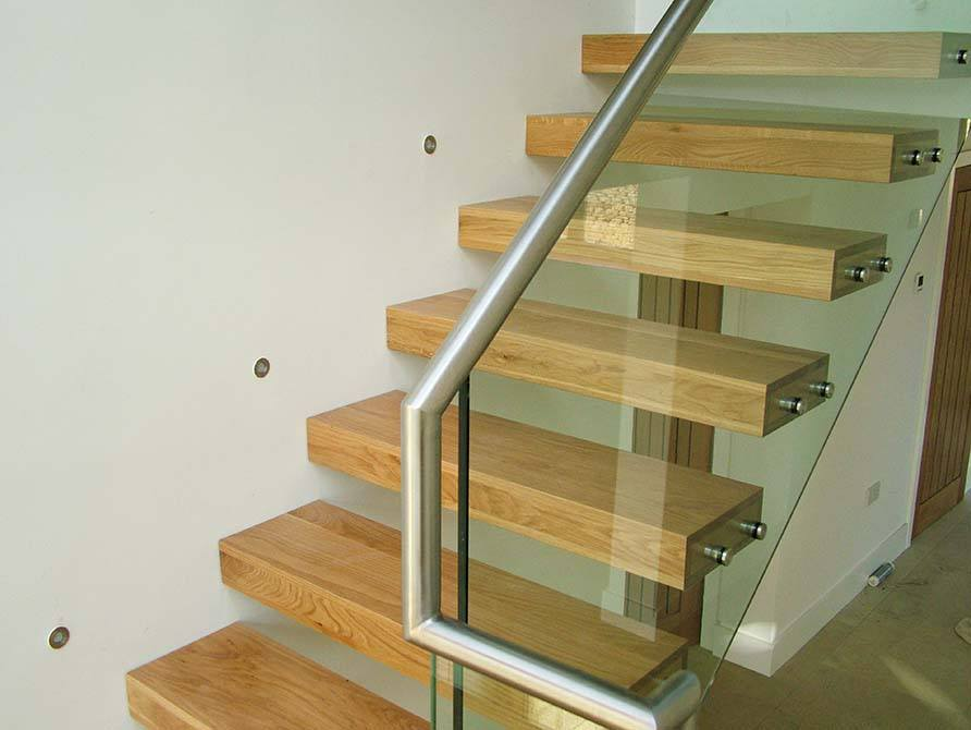 Turley-cantilever-floating-staircase