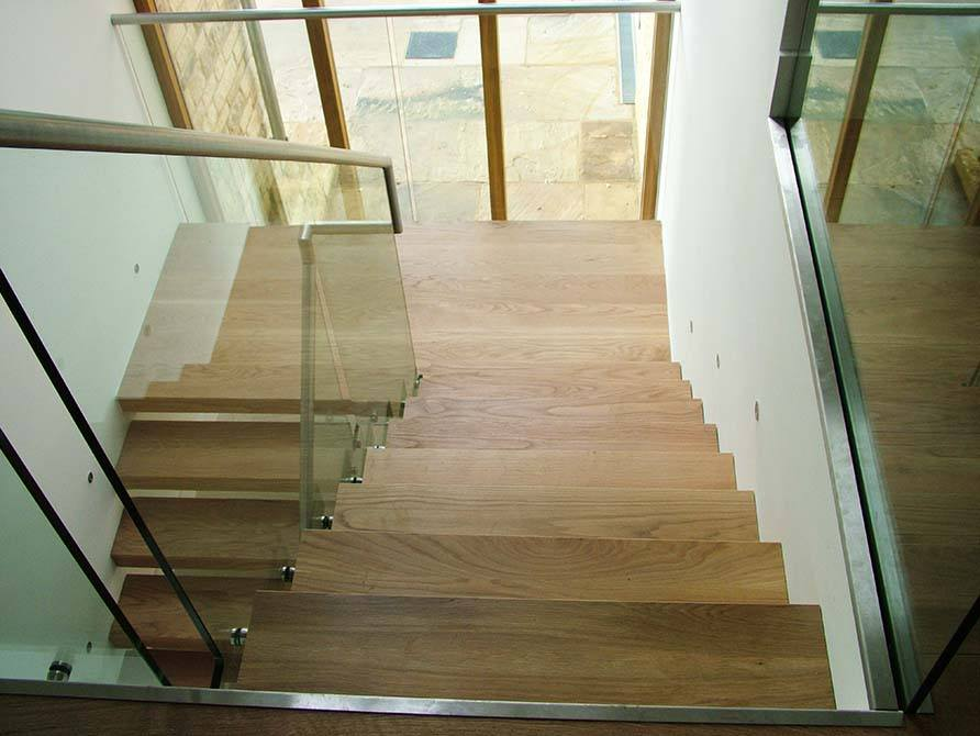 Turley-cantilever-timber-staircase
