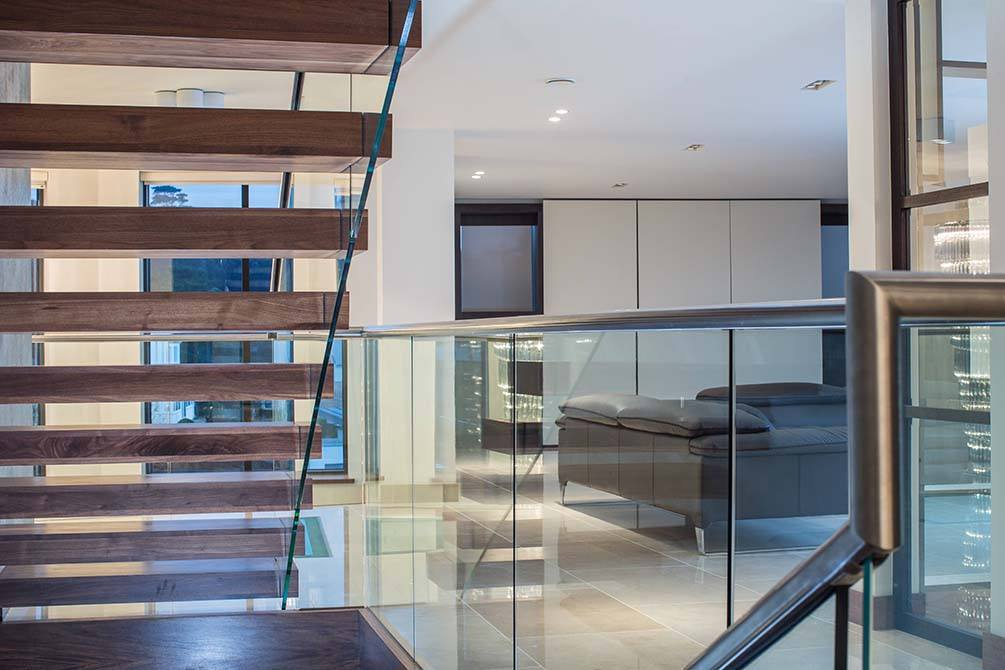 Warrick-cantilever-timber-staircase