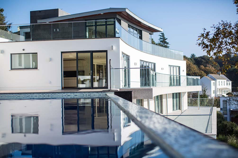 Warrick-frameless-glass-balustrade