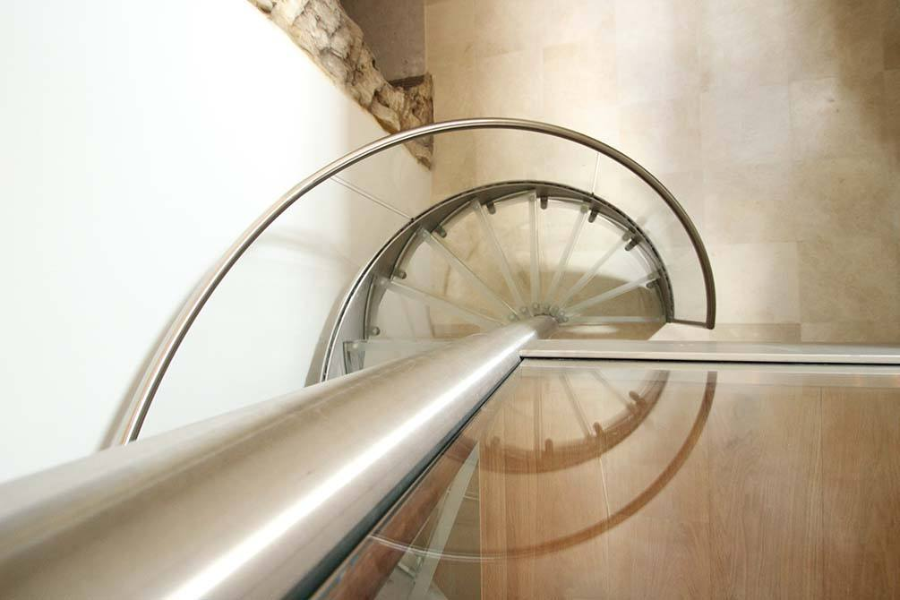 Westwood-stainless-steel-staircases