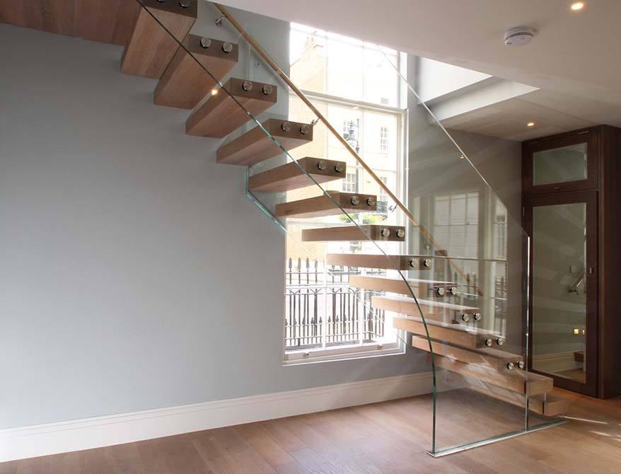 Wilton-Mews-Cantilever-Staircase
