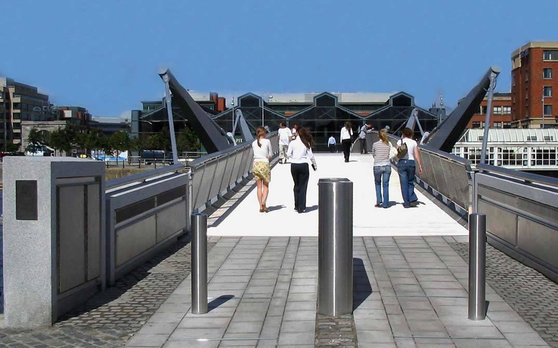 liffey dublin bridge stainless steel balustrade