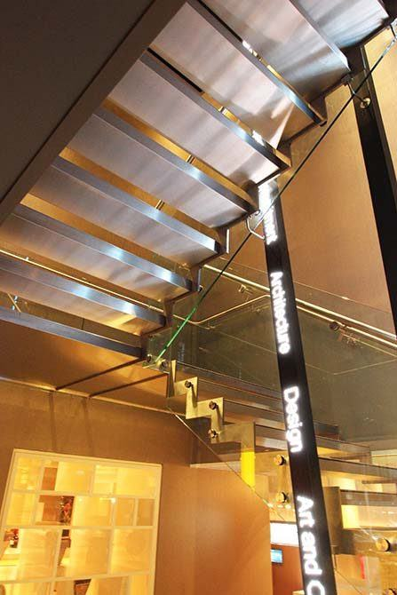 pullman-hotel-stainless-steel-glass-staircase
