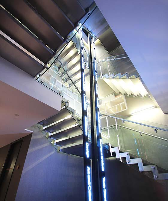 pullman-hotel-steel-stringer-staircase